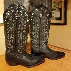 NWOT Ariat Cowboy Boots Size 7.5